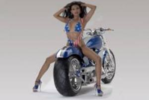Stripperin auf Motorrad