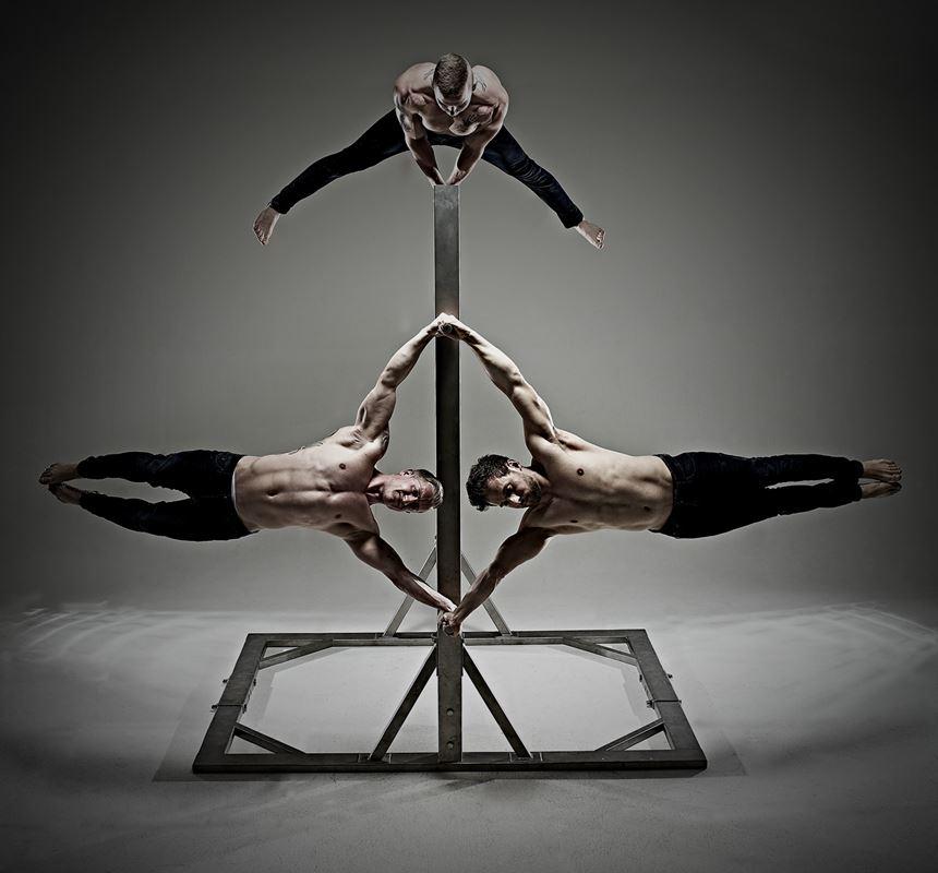 Akrobatik Menstrip
