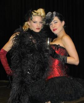 Messehostess und Burlesque