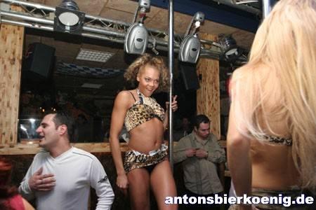 table dance stripperin